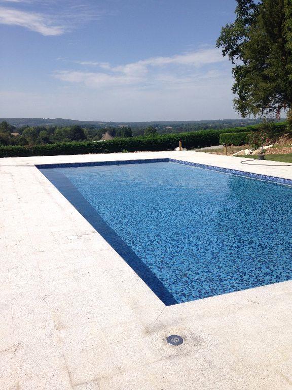 Paysagiste et piscinier cr apaysage for Constructeur piscine 17
