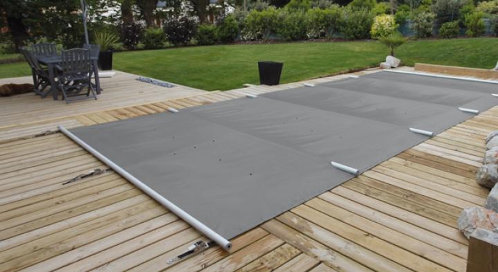 abriter et couvrir sa piscine cr apaysage. Black Bedroom Furniture Sets. Home Design Ideas